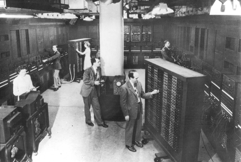 livro/images/historia-do-computador/ENIAC-2.jpg