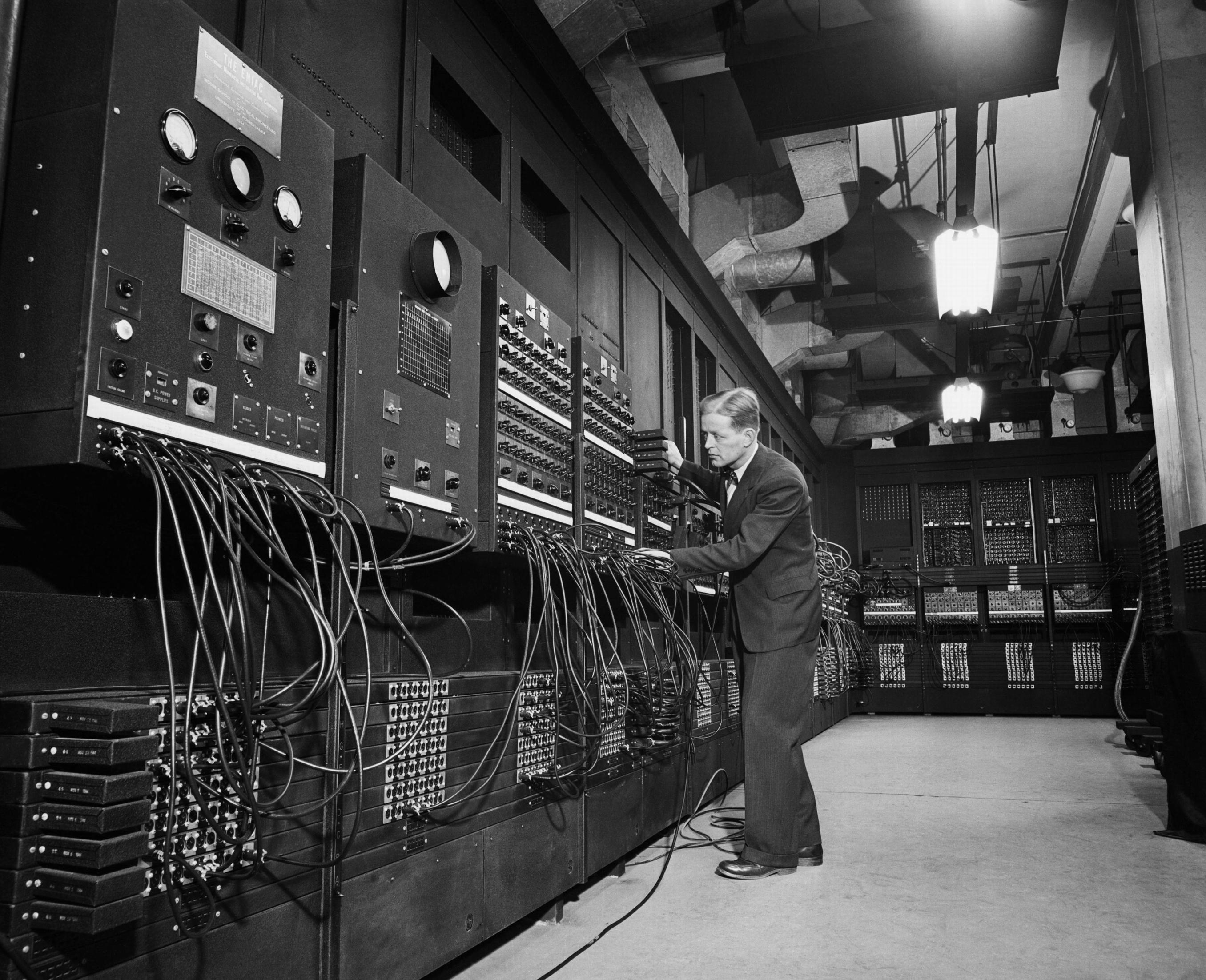 livro/images/historia-do-computador/ENIAC.jpg